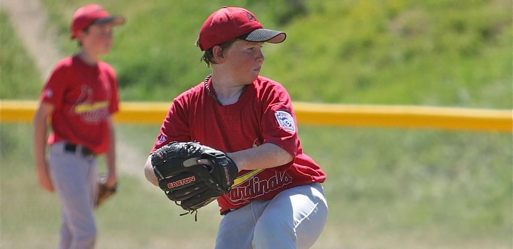 Little League pitching image